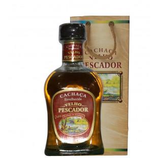 Cachaça Velho Pescador Ouro 750 ml